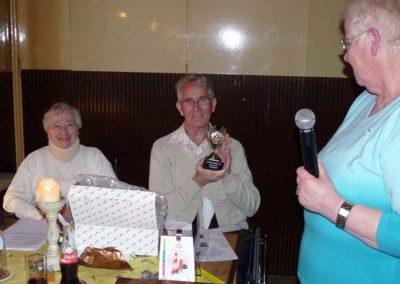 15 april 2011 -13- Corrie bedankt Herman