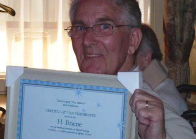 15 april 2011 -15- Corrie bedankt Herman