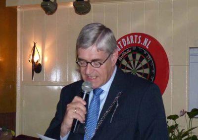 15 april 2011 -25- burgemeester