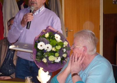 15 april 2011 -8- Bertus bedankt Corrie